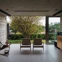 Leonardo Finotti 09 - Ấn tượng với kiến trúc của ngôi nhà được cải tạo mở rộng