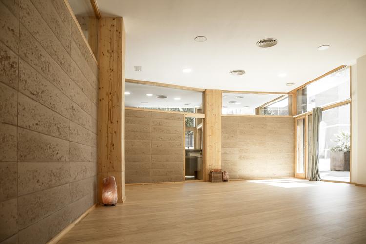 Centro de Yoga MIBI  / Elisabetta Carnevale Arquitectura De Terra, © André Roseira Costa