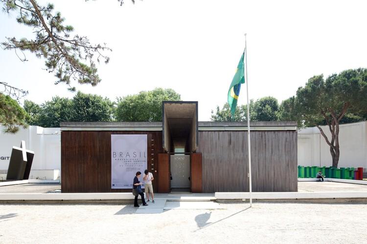 """""""Utopías de la vida común"""": Cómo será el pabellón de Brasil para la Bienal de Venecia 2021, Pabellón de Brasil en la Bienal de Venecia 2014. Imagen © Nico Saieh"""