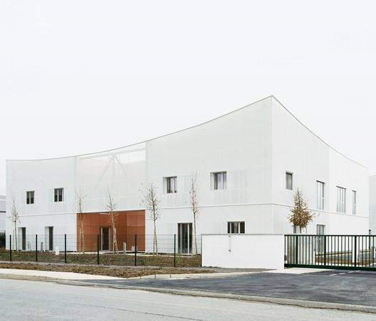 Val d'Europe Offices / NAED bureau d'architecture + Agathe Marimbert Architecte