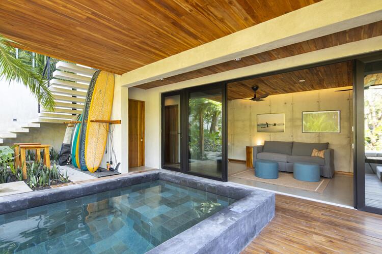 casamaru archdaily 06 - MARU House: Kiến trúc ấn tượng với những đường nét đơn giản và sự pha trộn vật liệu