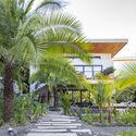 casamaru archdaily 02 - MARU House: Kiến trúc ấn tượng với những đường nét đơn giản và sự pha trộn vật liệu