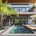 casamaru archdaily 23 - MARU House: Kiến trúc ấn tượng với những đường nét đơn giản và sự pha trộn vật liệu