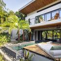 casamaru archdaily 22 - MARU House: Kiến trúc ấn tượng với những đường nét đơn giản và sự pha trộn vật liệu