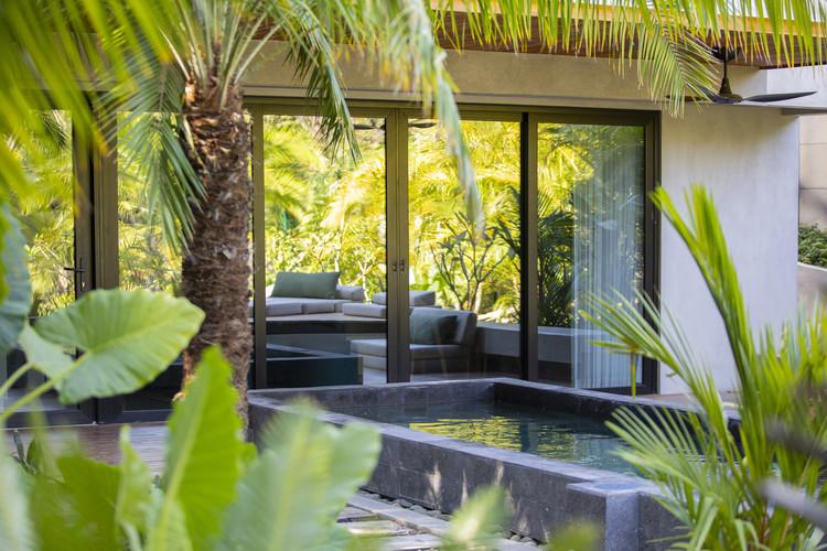 CasaMaRu ArchDaily 05 - MARU House: Kiến trúc ấn tượng với những đường nét đơn giản và sự pha trộn vật liệu