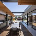bensres023 - Plympton Residence: Không gian sống linh hoạt kết nối với các khu vực ngoài trời