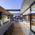 bensres072 - Plympton Residence: Không gian sống linh hoạt kết nối với các khu vực ngoài trời