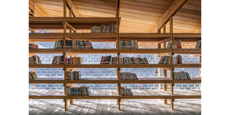 """Winner for the year 2021 in architectural design: """"Zheshui Natural Library"""" by LUO studio.. Image Photo © Jin Weiqi"""