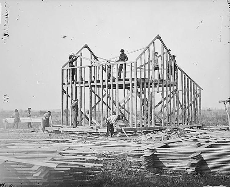 Pavilhão dos EUA na Bienal de Veneza explora a construção em madeira na arquitetura americana, Omaha Reservation, Nebraska, 1877. Imagem © William Henry Jackson; The National Anthropological Archives, Smithsonian Institution