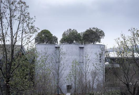 Facade of silos. Image © GEN BEN TANG