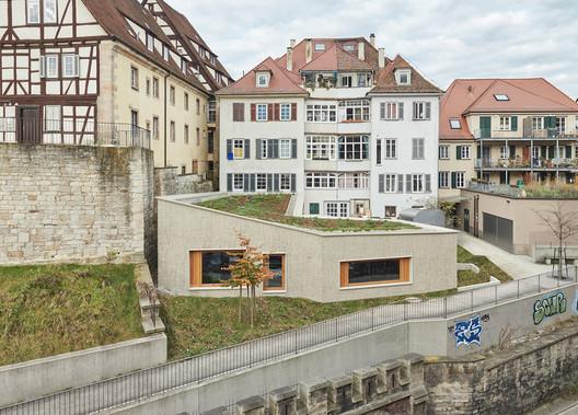 Renovación de edificios residenciales y comerciales / Dannien Roller Architekten + Partner