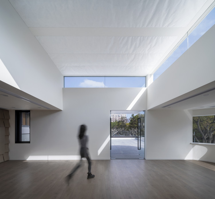 The power of light brings a sense of sublimity to a space. Image © WDi
