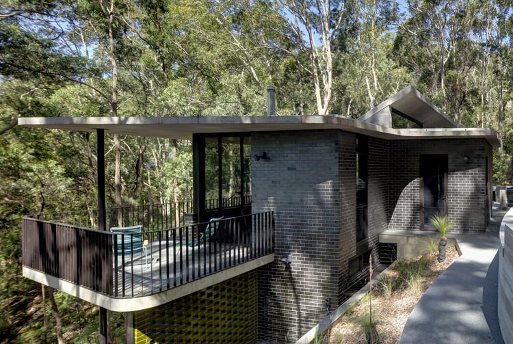 Pretty Beach House / Lahznimmo Architects, © Brett Boardman