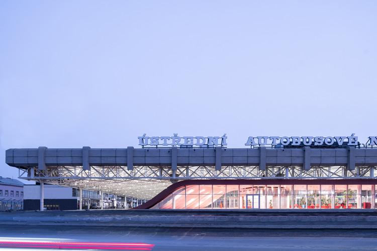 Zvonarka Central Bus Terminal  / CHYBIK + KRISTOF , © Alex Shoots Buildings