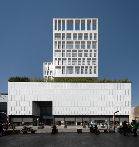 Pransa Commercial and Office Complex / DOT ARCHITECTS