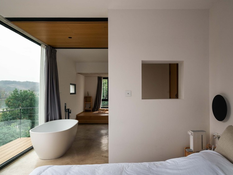 Overlooking the southern hills and from the pond. Image © Yumeng Zhu
