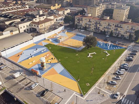 Parque infantil MacroLotto Zero Prato / Ufficio Planificazione degli Spazi Pubblici del Comune di Prato