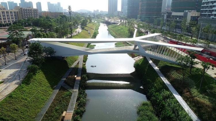A arquitetura chinesa pelos olhos dos engenheiros estruturais, Pedestrian Bridge of Pingshan High School / NODE Achitecture & Urbanism & AND Architecture OFFICE/ Zhun Zhang. Image © Yongyu Chen