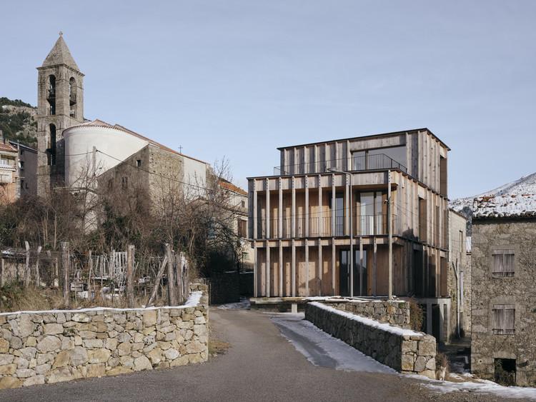 Cristinacce Apartments / Orma Architettura, © Julien Kerdraon