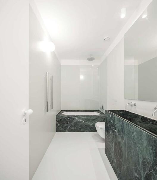Apartamento AMC / rar.studio. Image © Fernando Guerra  FG+SG