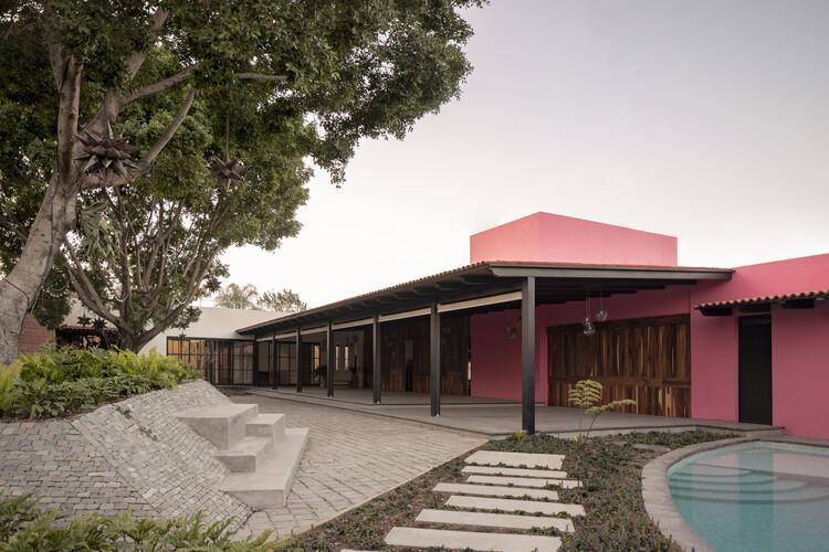 Casa Tonallán / Amarillo Amate Arquitectura, © Rafael Palacios Macías