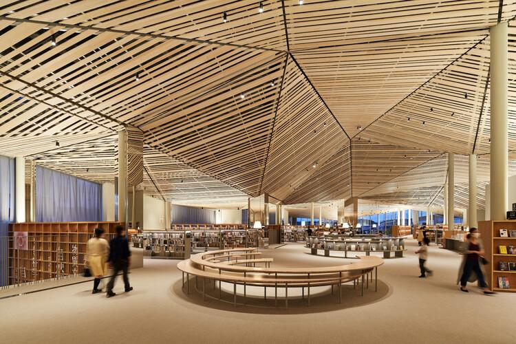 Biblioteca Municipal Nasushiobara / Mari Ito + UAo, © Daici Ano