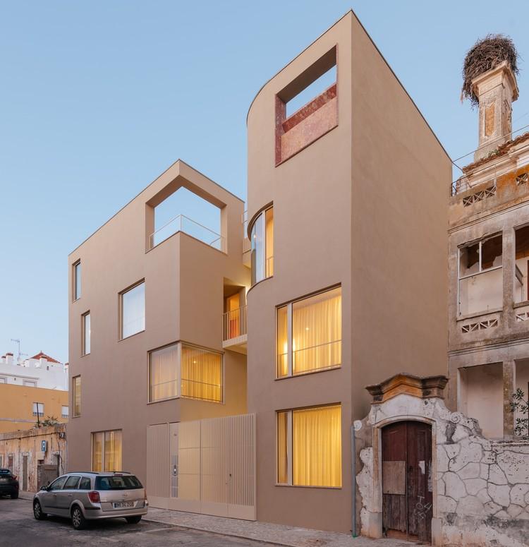 Mustard Building / Aurora Arquitectos + Furo, © do mal o menos