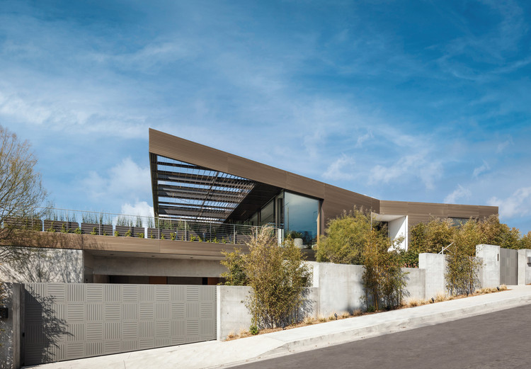 A Bronze House on Nightingale / SPF: architects 1