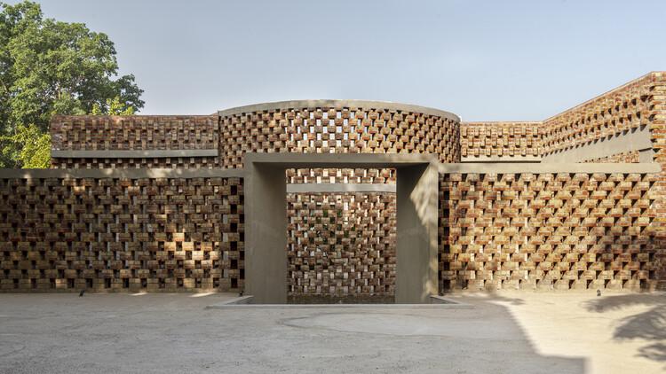 La casa de ladrillo / RLDA, © Suryan // DangClimate Sustainability Diagram