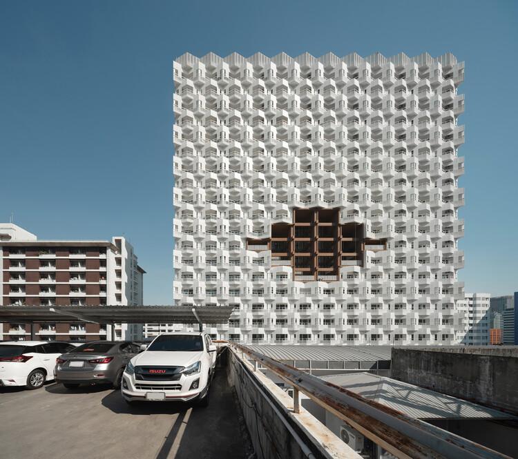 Nurse Dormitory Chulalongkorn Memorial Hospital / Plan Architect, © Panoramic Studio