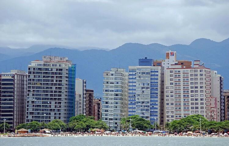 A história dos edifícios tortos de Santos, Imagem da Orla de Santos. Image via Reportagem de Altair Santos