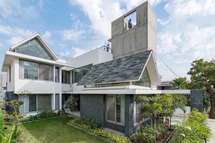 Casa Gable / UA Lab (Urban Architectural Collaborative), © Inclined Studio