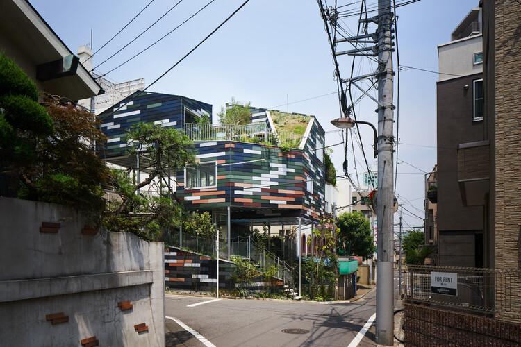 Overlap House / Akihisa Hirata, © Daici Ano