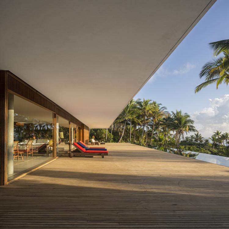 Casas brasileiras: 25 residências construídas na região Nordeste, Casa Txai / Studio MK27 - Marcio Kogan + Carolina Castroviejo + Gabriel Kogan. Foto: © Fernando Guerra   FG+SG
