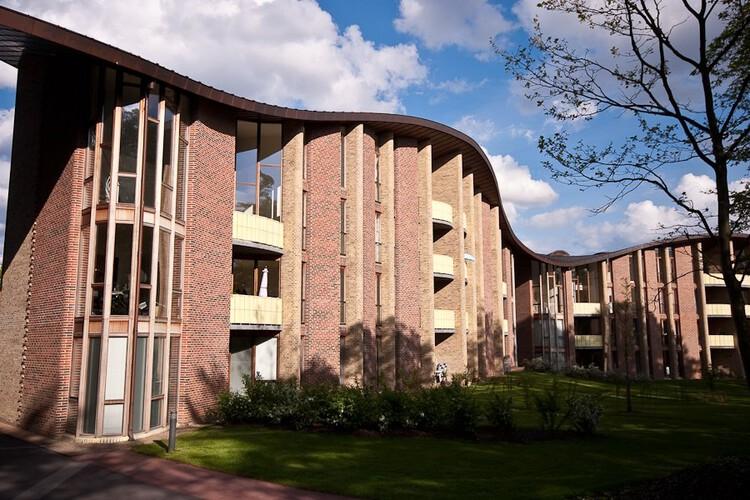 Bispebjerg Bakke apartment complex. Image © Wikimedia User Knud Winckelmann licensed under CC-BY-SA-3
