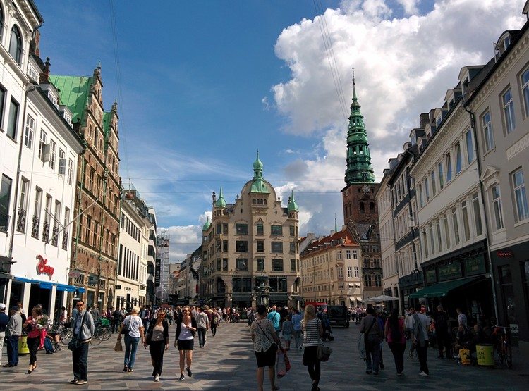 Amagertorv Square in Copenhagen, with granite paving. Image © Wikimedia User Ludwig Pacifici licensed under CC-BY-2.0