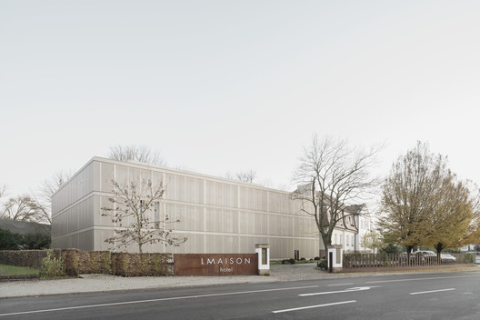 LAMAISON Hotel & Guesthouse / CBAG.Studio Architects