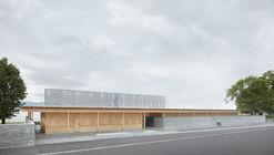 Strandbad Lochau Swimming Pool  / Innauer-Matt Architekten