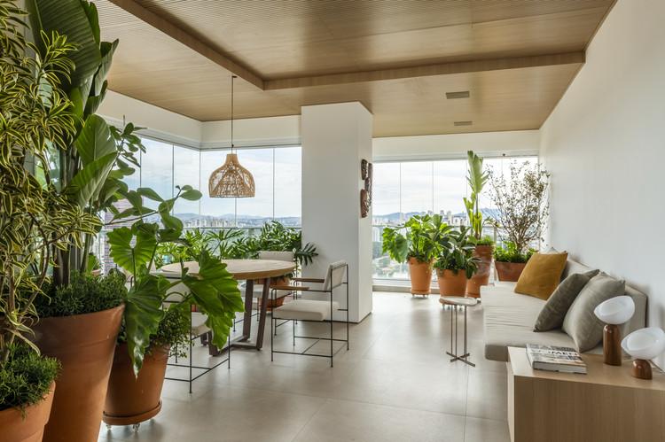 Apartamento NAJ / Triplex Arquitetura, © Renato Navarro