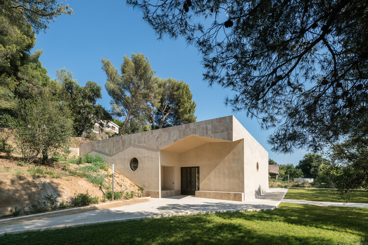 Funeral Home / Baito Architectes, © WE ARE CONTENTS