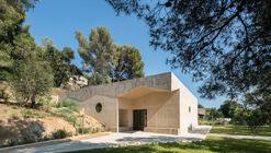 Casa Funerária / Baito Architectes