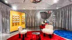 Lunet Signature Store / Bogdan Ciocodeica Studio