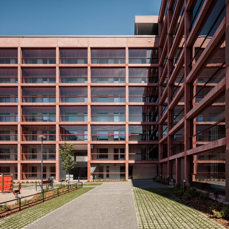 Kaarlo Sarkian Katu Apartments / Playa Architects, © Tuomas Uusheimo
