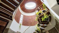 Ambara House / Wright Inspires
