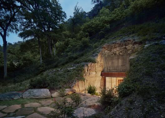 Cueva de vino en Hill Country / Clayton Korte
