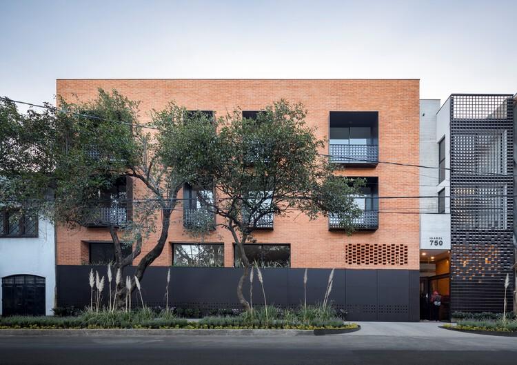 Edificio Isabel 750 / Terreros Arquitectos, © César Béjar