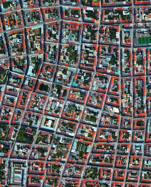 Viena, Áustria. Created by @benjaminrgrant, source imagery: @digitalglobe