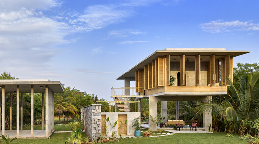 Ksaraah Residence / Taliesyn Design & Architecture
