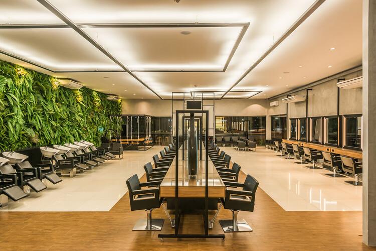 Salão de Beleza Lushe Beauty /  Roby Macedo arquitetura e design. Image © Jesus Perez