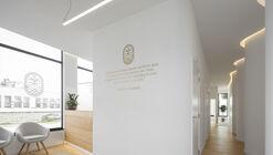 Gabinetes de Saúde Integrada BELIFE / Rómulo Neto